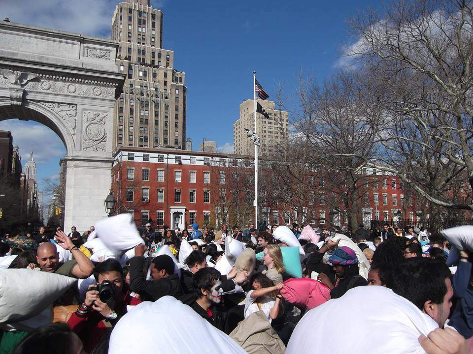 lucha de almohadas en Nueva York