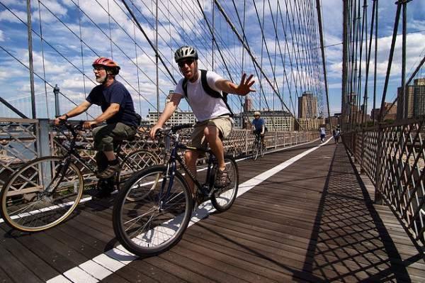 Brooklyn Bridge by Bike - Gwenael Piaser