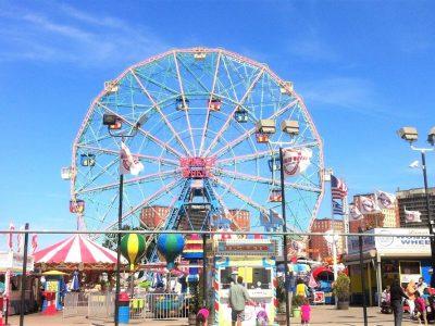Un día en Coney Island y sus Atracciones Vintage