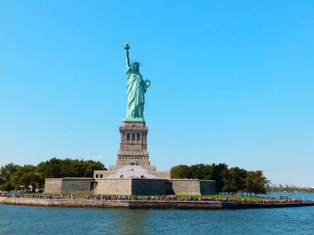 Ferry Estatua de la Libertad
