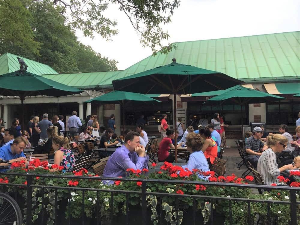 Comer en Central Park